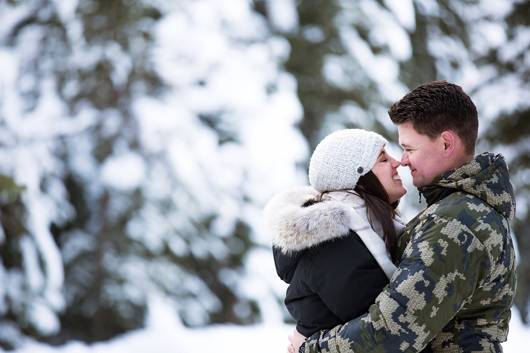 How to Plan Winter Engagement Photos