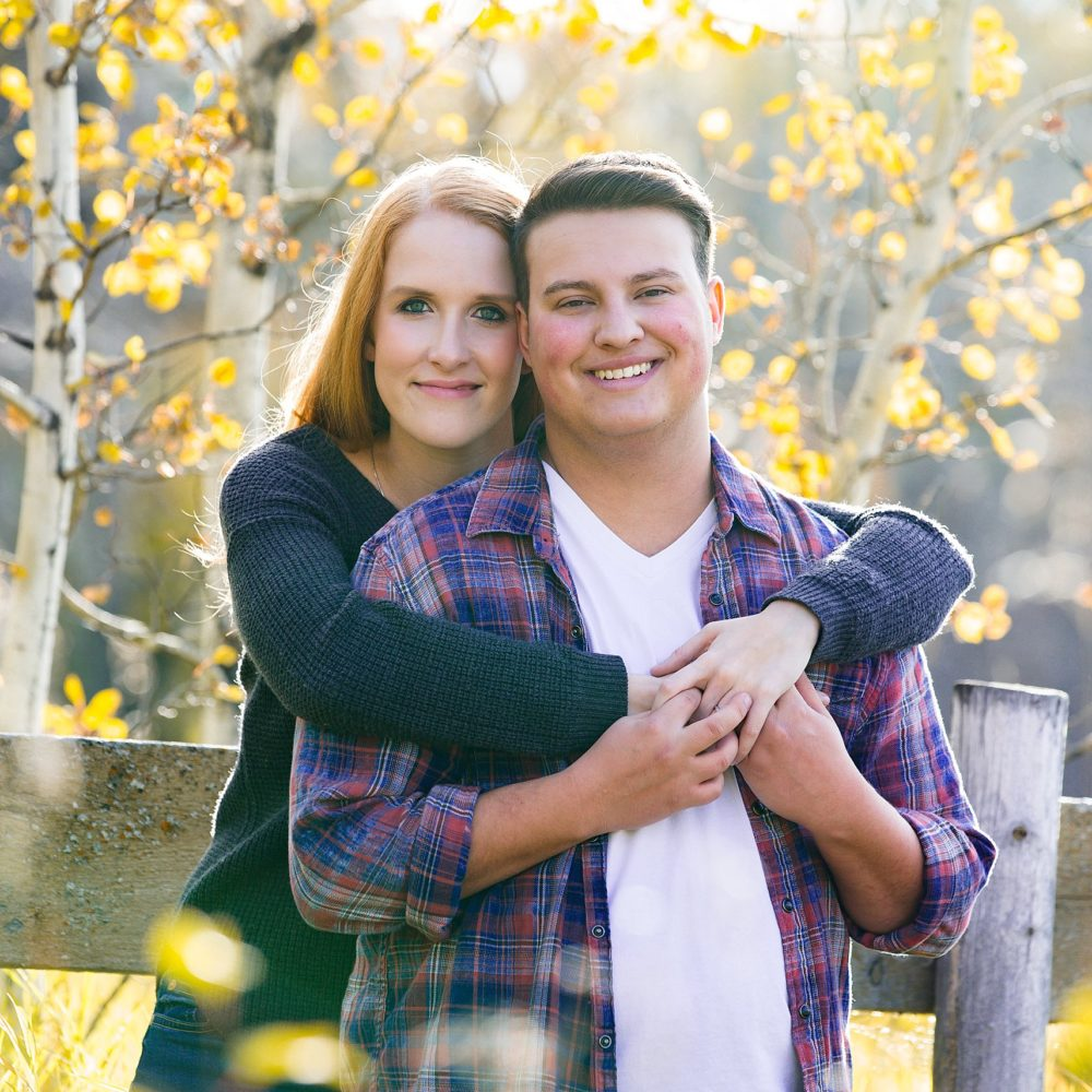 Gail + Jay – A Fall Fish Creek Park Engagement Session